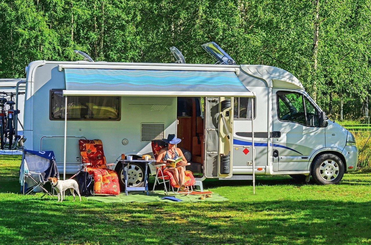 co spakować na wyjazd kamperem